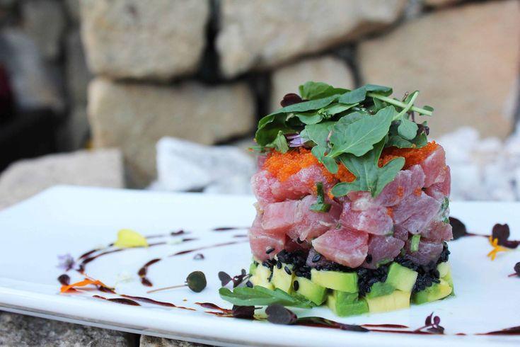 Nuestro Tartar de Atún para empezar... www.daniel.com.co/menu
