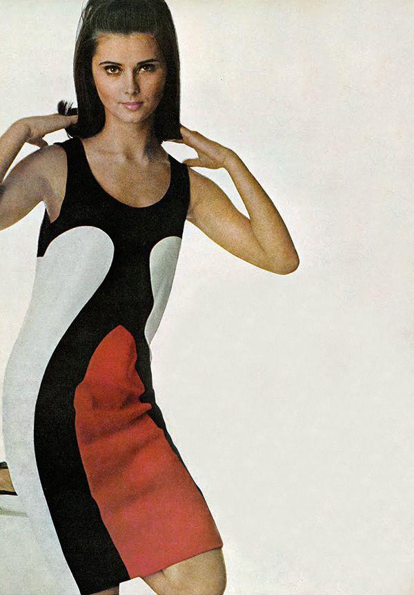Regine Jaffry by Penn. Vogue 1966