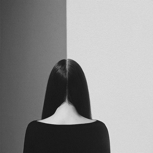 the minimalist b/w self portraits of noell oszvald