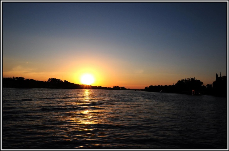 Facebook Photo Competition entry sent in from the Stonehaven River Cruiser of the sun setting over the Vaal River