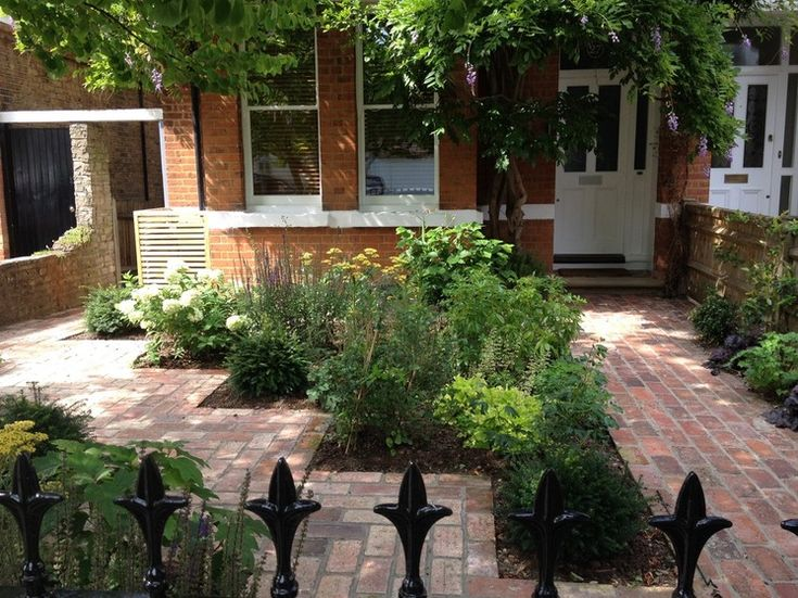 17 best images about some front on pinterest front doors for Small front garden designs uk