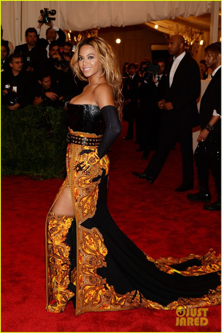 Beyonce - Met Ball 2013 Red Carpet