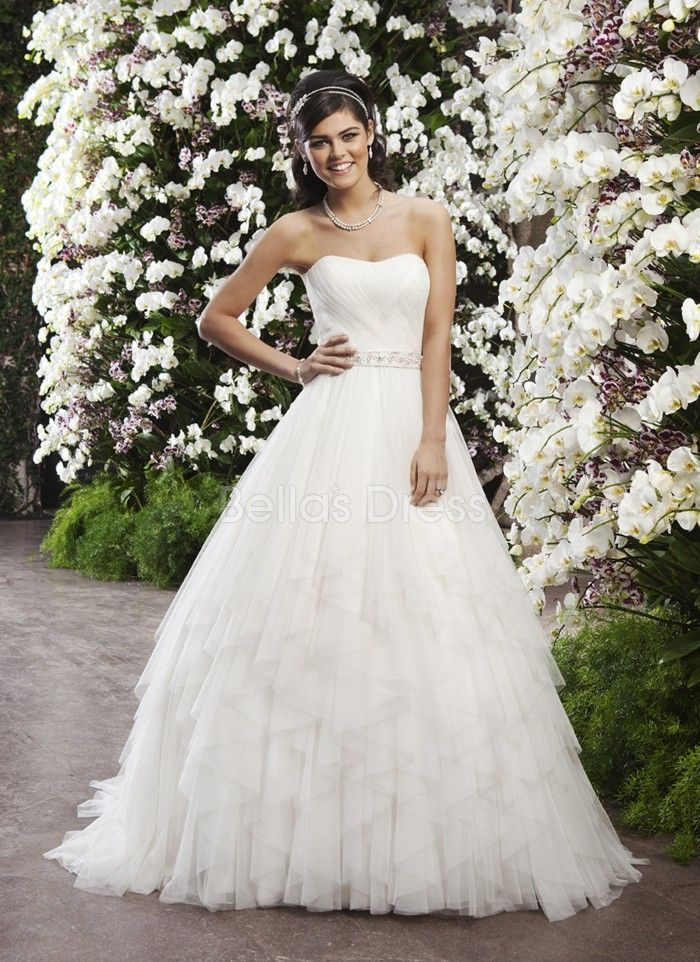 a line tulle with ruffles scoop natural waist romantic wedding dress - La Roub De Mariage