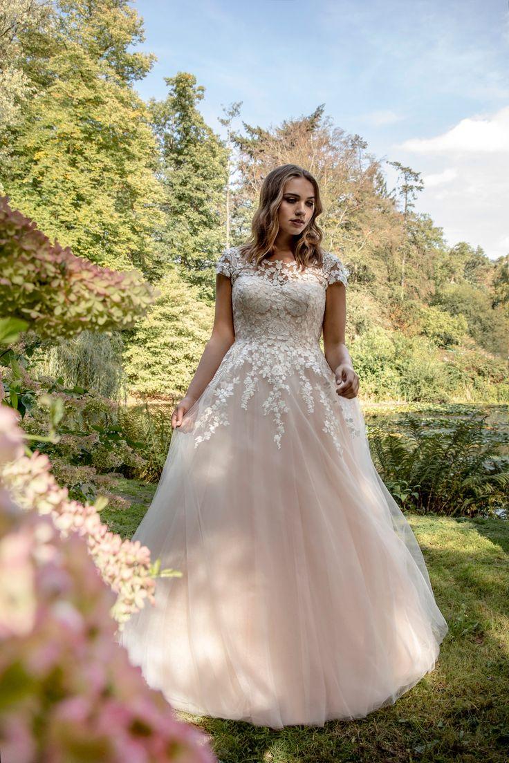 Be a beautiful curvy princess in ballgown wedding dress