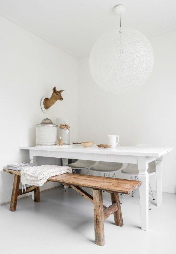 Een eettafel met bank is ideaal in een kleinere woning. Het geeft een vaste plek aan de eettafel en zelfs..