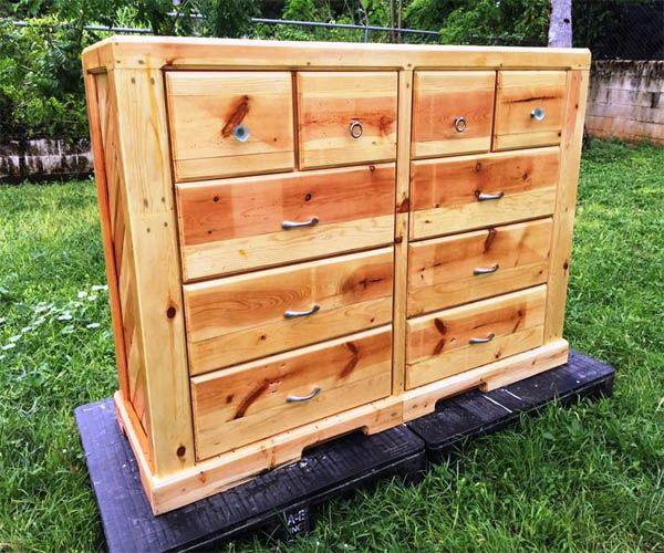Box Bedroom Furniture Ideas: 17 Best Ideas About Pallet Bedroom Furniture On Pinterest