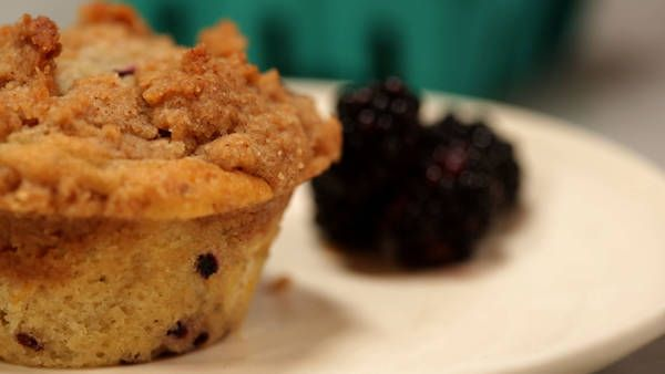 Blackberry Crumb Muffins - Recipes - The New York Times