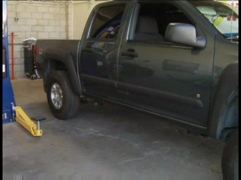 Video: Chevy Truck: Lift Kit Parts | eHow