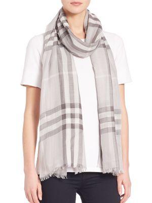 Eșarfă de damă BURBERRY Giant Check, elegantă, confortabilă, fashion, din lână și mătase, cu dungi și margini cu franjuri.