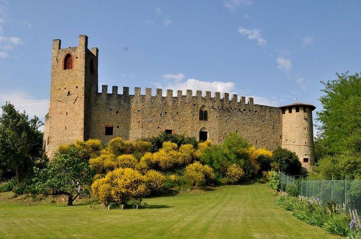 Castello di Magnano nel giallo (from Altavaltrebbia - Galleria fotografica)
