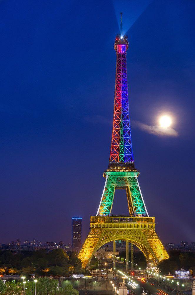 eiffel tower light show bastille day