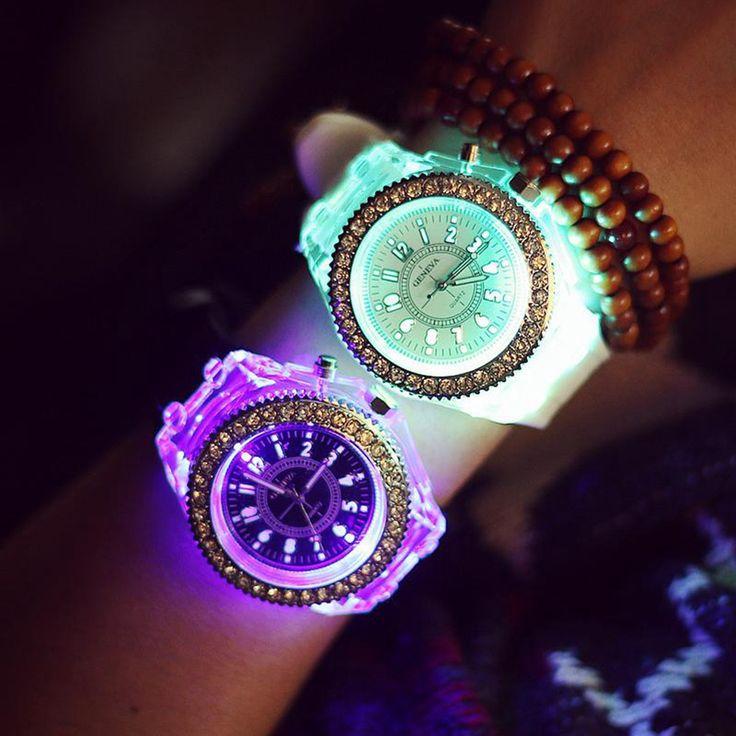Купить 2016 Женева Светящиеся СВЕТОДИОДНЫЕ Спортивные Часы Женщины Кварцевые Часы дамы Женщины Силиконовые Наручные Часы Relogio Feminino Relojes Mujerи другие товары категории Модные часыв магазине Pursuit Of Elegant LivingнаAliExpress. часы вайде и часы круг