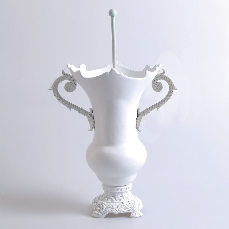If Liberace designed a loo brush, this would be it! Frivolous fun meets flamboyant charm with this devilishly gorgeous baroque style toilet brush that will be the trophy piece of your bathroom.