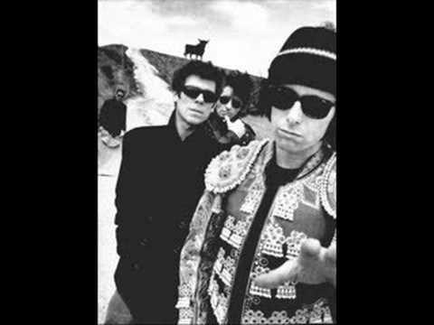Los Rodríguez - Sin documentos