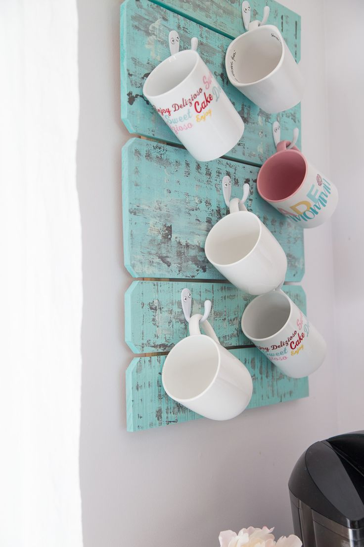 This coffee cup holder is a simple & pretty do it yourself project to organize and display your coffee mugs. You only need a few simple supplies.