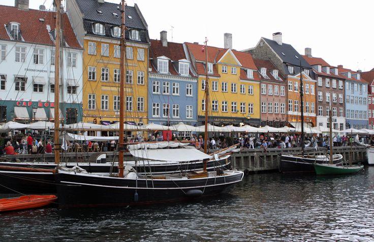 A capital da Dinamarca é uma gracinha com seus prédios coloridos, muitas…