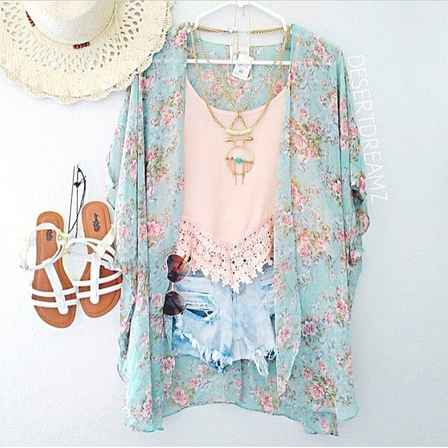 Rose Quartz tank and Serenity blue tunic with Rose Quartz flowers.  So pretty for Spring and Summer.