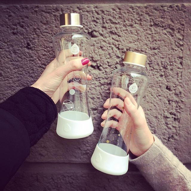 Mother and daughter time and Stardust collection ;) #myequa #glassbottle #reusablebottle #uniquedesign #heatlhy #hydration
