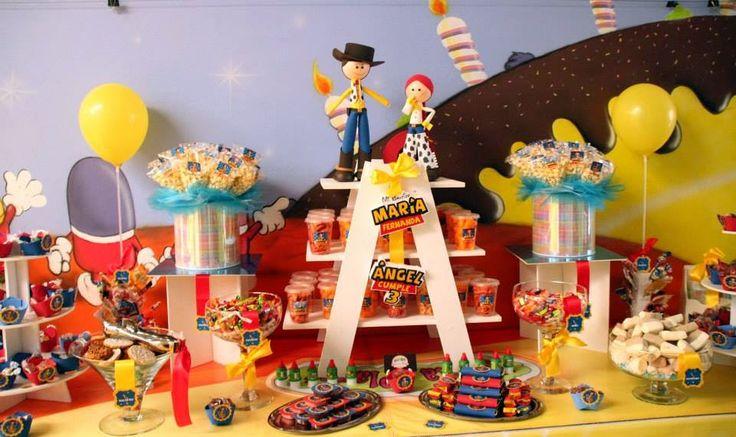 Mesa de dulces y botanas toy story www for Mesas de dulces infantiles