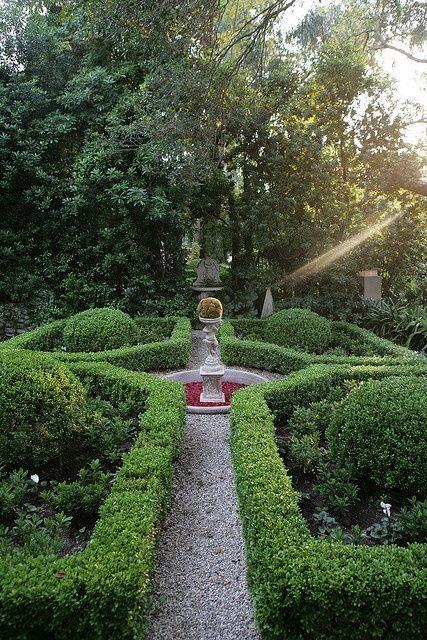 7ce5627b2c93ac3f1d6131be59cb476f--formal-gardens-modern-gardens Designing An Italian Garden on designing an english garden, designing a japanese garden, designing a rose garden,