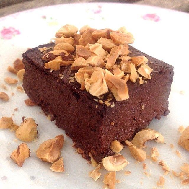 Chokolade Brownie Med Sorte Bonner 1 Dase Sorte Bonner 3 Aeg 75 Gram Kakaopulver 150 Gram Aeblemos 150 Gram Suk I 2019 Chokolade Brownies Kage Og Kagedej