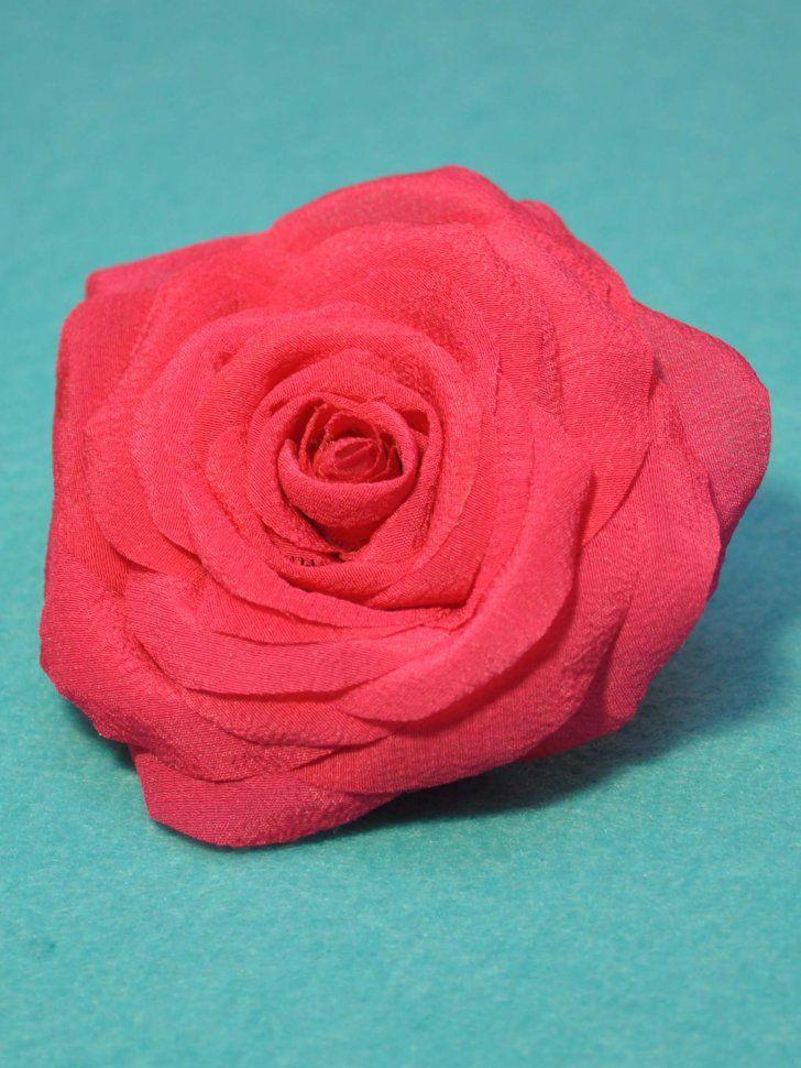 Брошь из натурального шелка ручной работы. Выполнена в виде плотного бутона розы розового цвета.