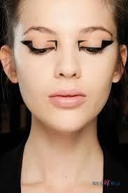 Geometryczne wzory na oku to śmiała propozycja, w sam raz na Andrzejki #makeup #party