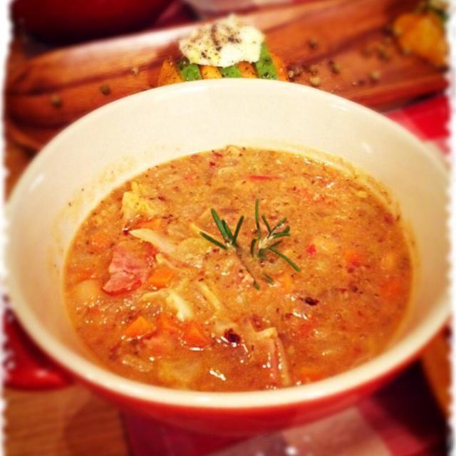 見た目は悪いが、お豆さん♪たくさーんで栄養たっぷりなスープです。 - 145件のもぐもぐ - ズッパ ディ ファジョッリ by mizunoa
