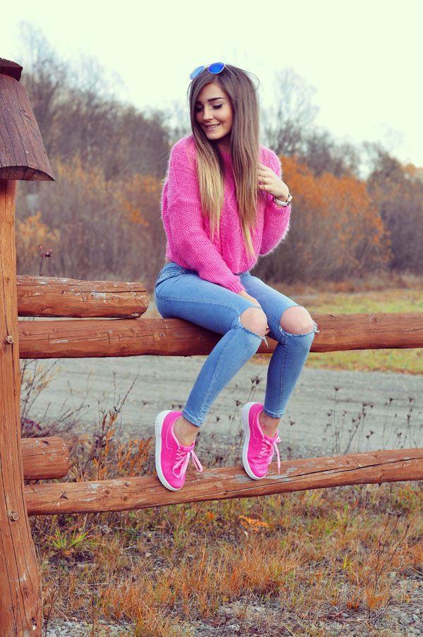 7ce65ec97bc33190a57de98ce0c7b40c  photography ideas youtube - Pink Winter outfit, Look en rosado para invierno