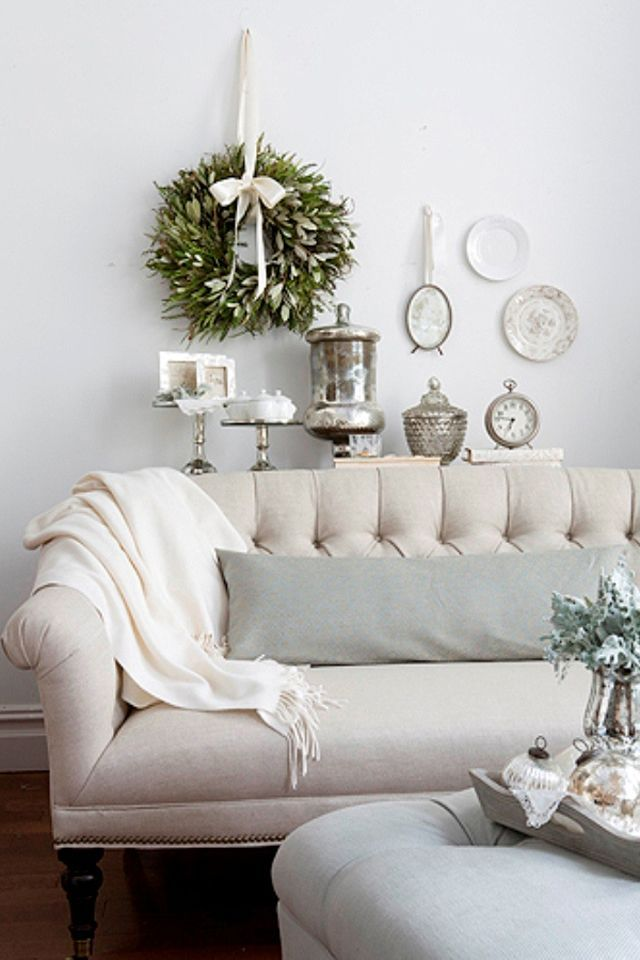 white house christmas decorations | Linen Sofa White Christmas | Norman house decor list