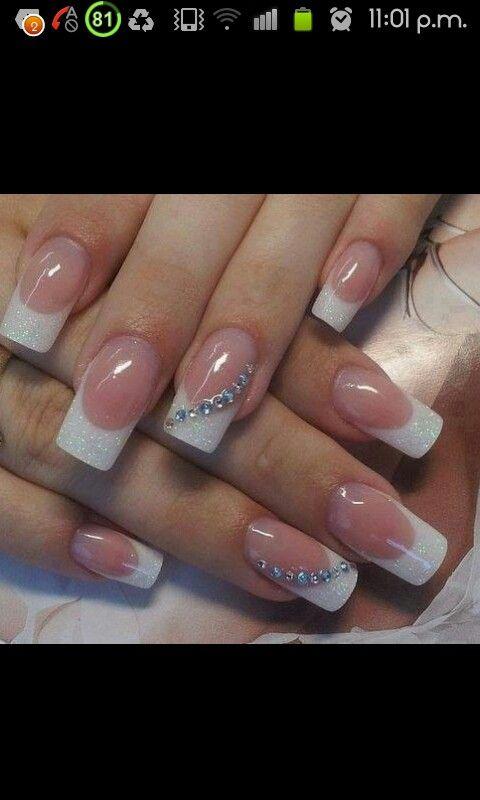 Las primeras uñas que me gustaron. Las primeras uñas que guardé en mi cel. Uñas para novia. Hermoso frances.