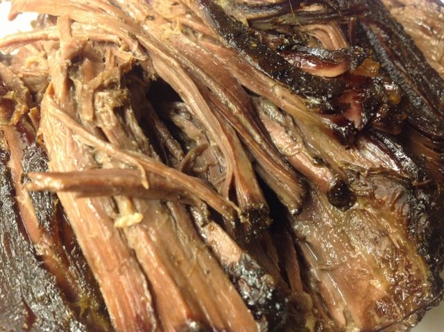 Pulled beef, nötkött som tillagas långsamt, långsamt. Blir underbart mört och köttet bara faller isär - härligt Paleo är det också!