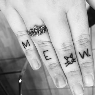 This little 'Meow.' | 27 Classy Cat Tattoos Every Cat-Lover Will Adore