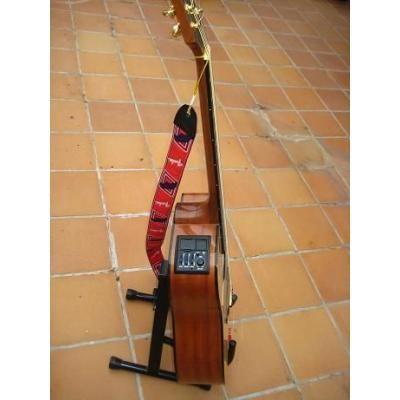 vendo guitarra takamine http://mendozacapital.anunico.com.ar/aviso-de/instrumentos_musicales/vendo_guitarra_takamine-6569407.html