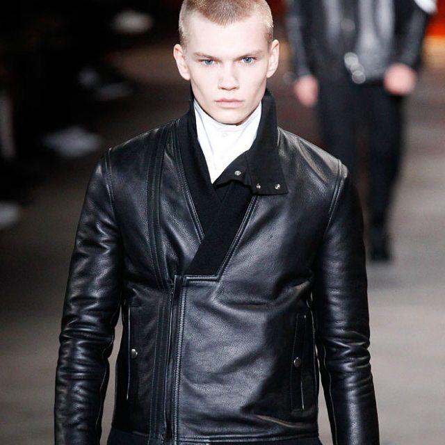 @diesel Black Gold #menswear Winter 2018 #diesel #fashion #fashionista #fashiondiaries #fashionaddict #fashionblogger #fashiongram #instafashion #instastyle #outfit #outfitoftheday #style #stylish #styleblogger #lifestyle #ootd #men #mensfashion...