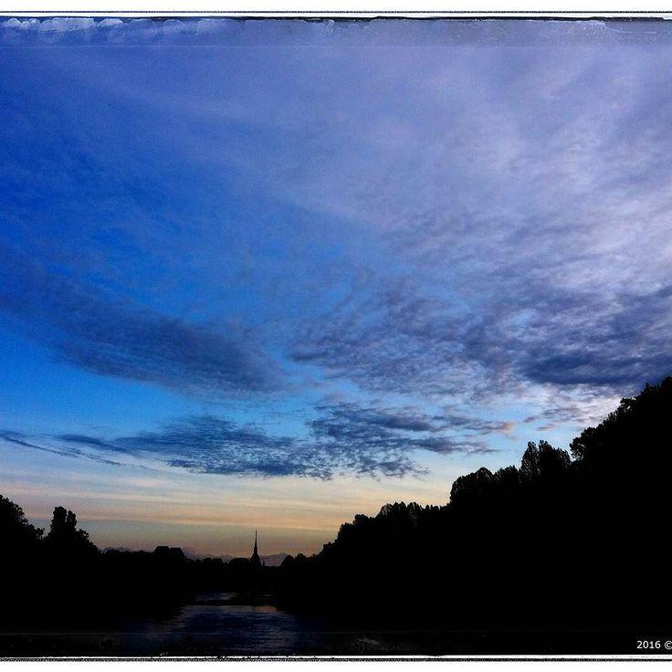 Il buongiorno di Torino (foto @accoss ) by la_stampa