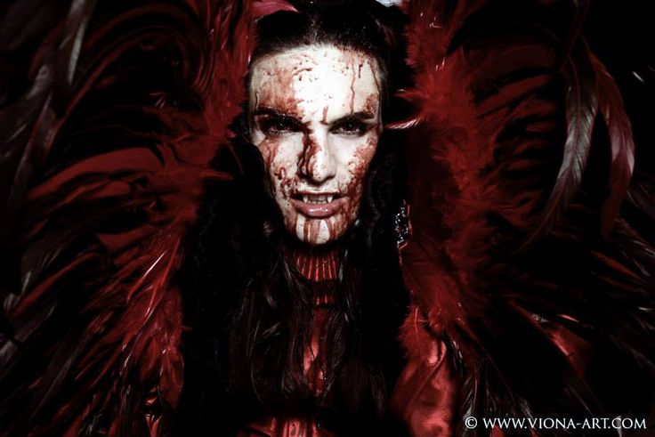 #TElombre - telombre.com actor, performer, singer, model, long hair, french, alternative, androgyn, paris, photography, shooting, vampire, blood, vionaart, viona, red, demon, 666, diable, evil, sang,