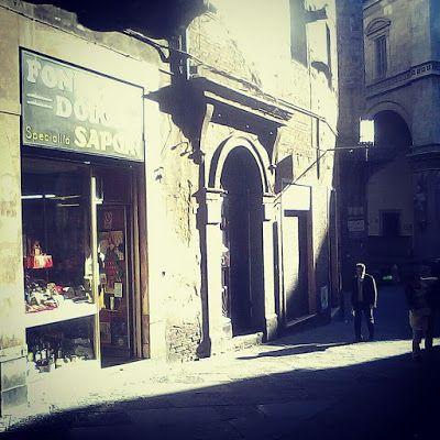 Via Banchi di Sopra leading to via di Città; Siena's main shopping roads