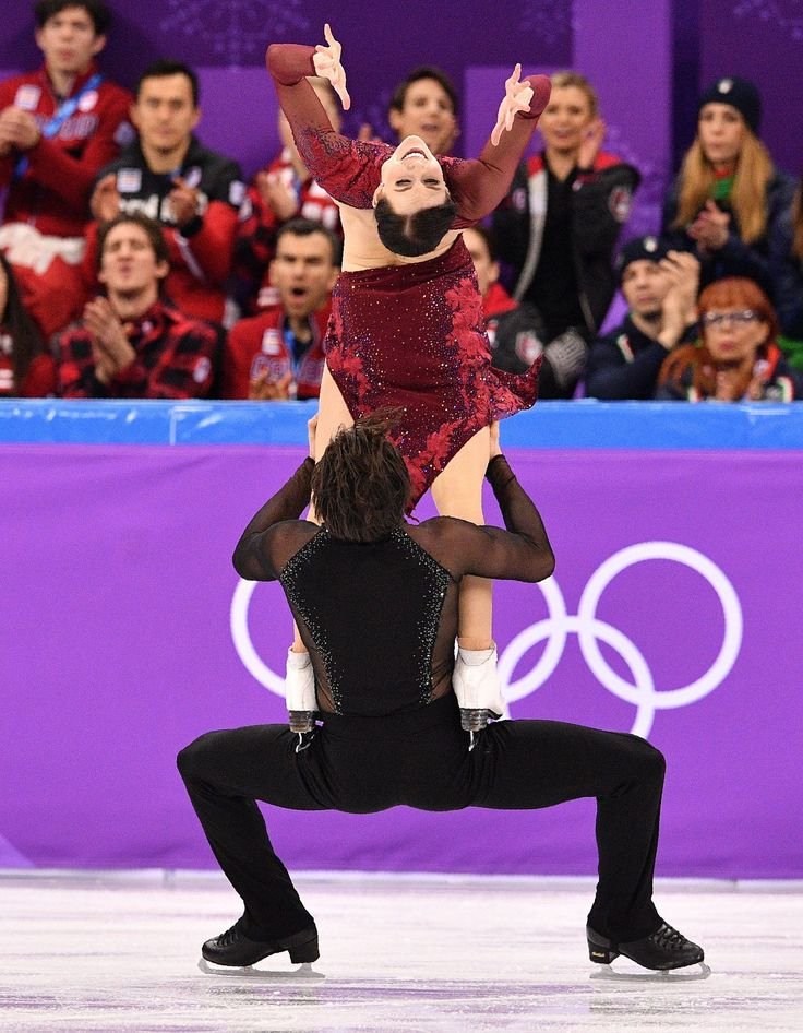 Canadian ice dancers Tessa Virtue & Scott Moir, gold medalists.