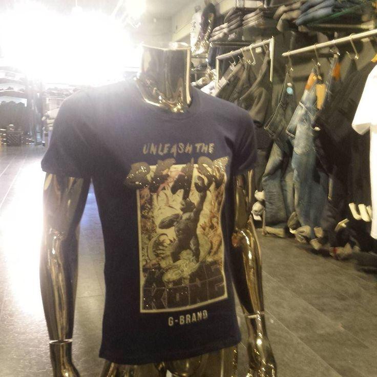On instagram by jollywoodfashion #korsakoff #gabbermadness (o) http://ift.tt/206nzW5 maakte al het fantastische nummer met de titel 'Unleash the beast'. Wij hebben nu het fantastische shirt te koop met dezelfde titel erop!  #unleash #the #beast #gbrand #king #kong