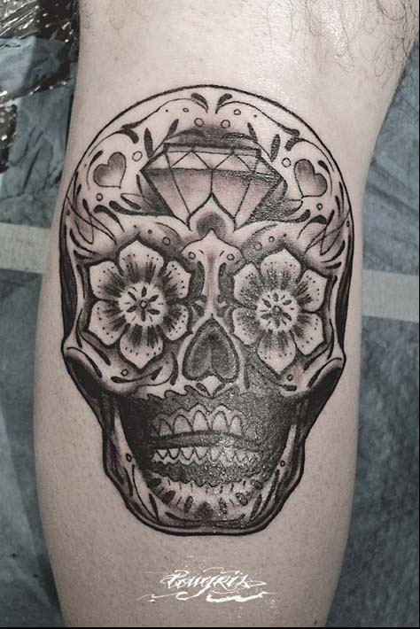 I would love a candy skull tattoo :D