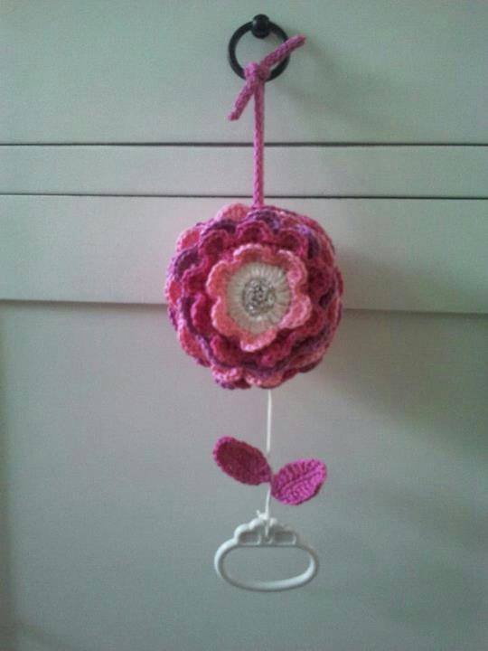 Crochet flower musicalbox <3