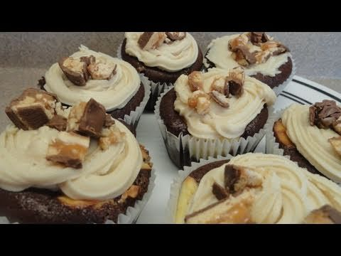 Snickers Bar Candy Cupcakes