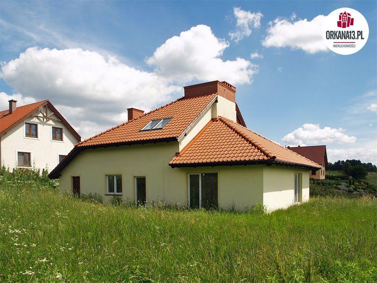Dom mieszkalny, wolnostojący, w zaawansowanym stanie deweloperskim, do wykończenia indywidualnego o powierzchni użytkowej około 162 m kw  w Kaplitynach, w kompleksie domów jednorodzinnych.Z domu i posesji ( na wzniesieniu) roztacza się piękny ...