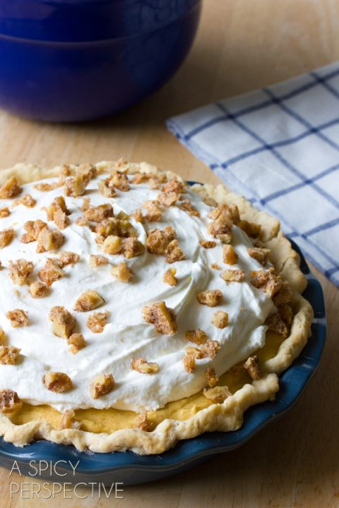 Amazing Pumpkin Cream Pie with Candied Walnuts #pumpkinpie #thanksgiving #pumpkin #fall