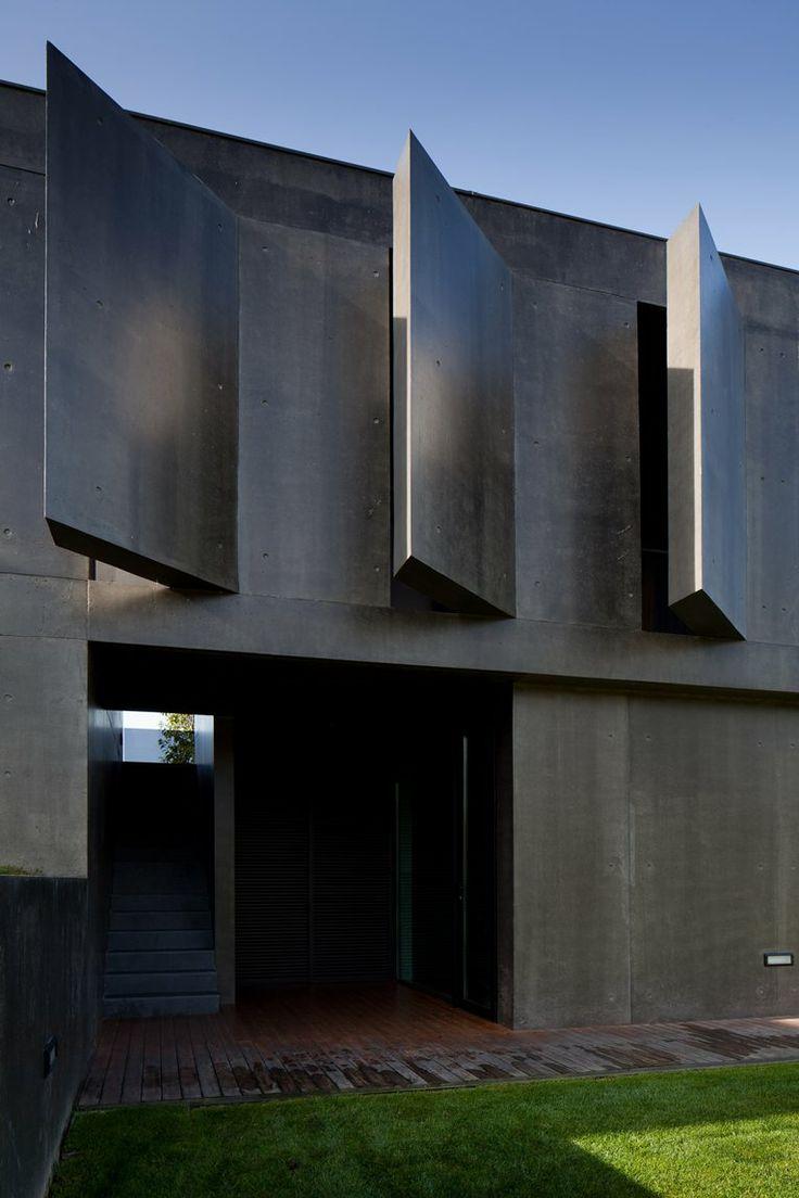 L23 House, Guimaraes, 2011