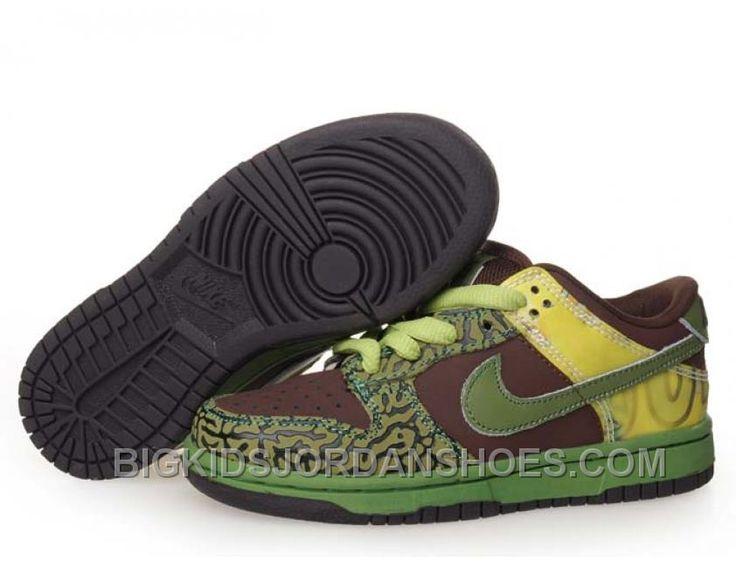 new styles 2a1de b5f4b ... uk discount kids nike dunks sb low pro sb de la soul brown green 6ff2c  43cb0