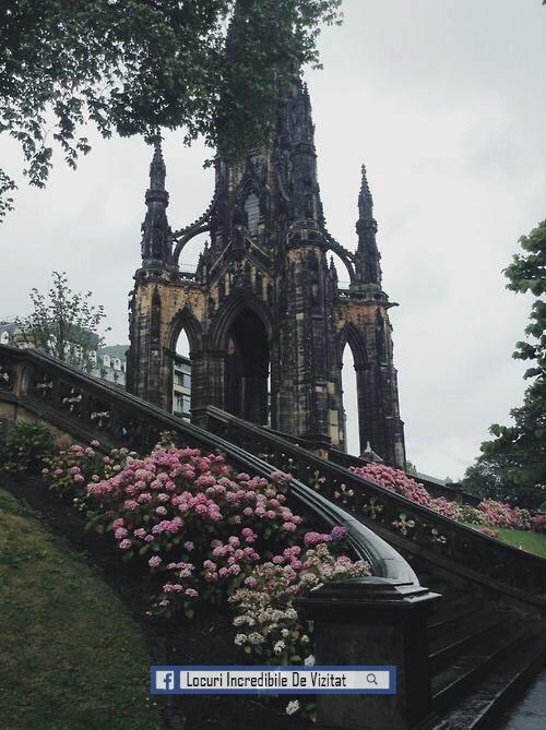 Scott Monument la Princes Street Gardens, Edinburgh, Scoția  Like & Share daca va place.