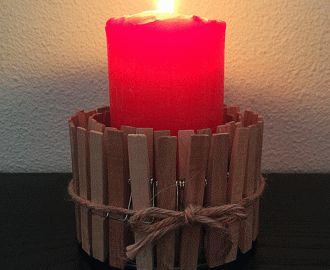 świecznik ze spinaczy i puszki