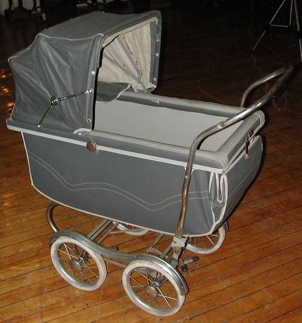 695 1940 S 1950 S Baby Carriage 2792 On What I